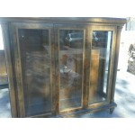 Шкаф витрина с три стъклен поличи - модел 1334